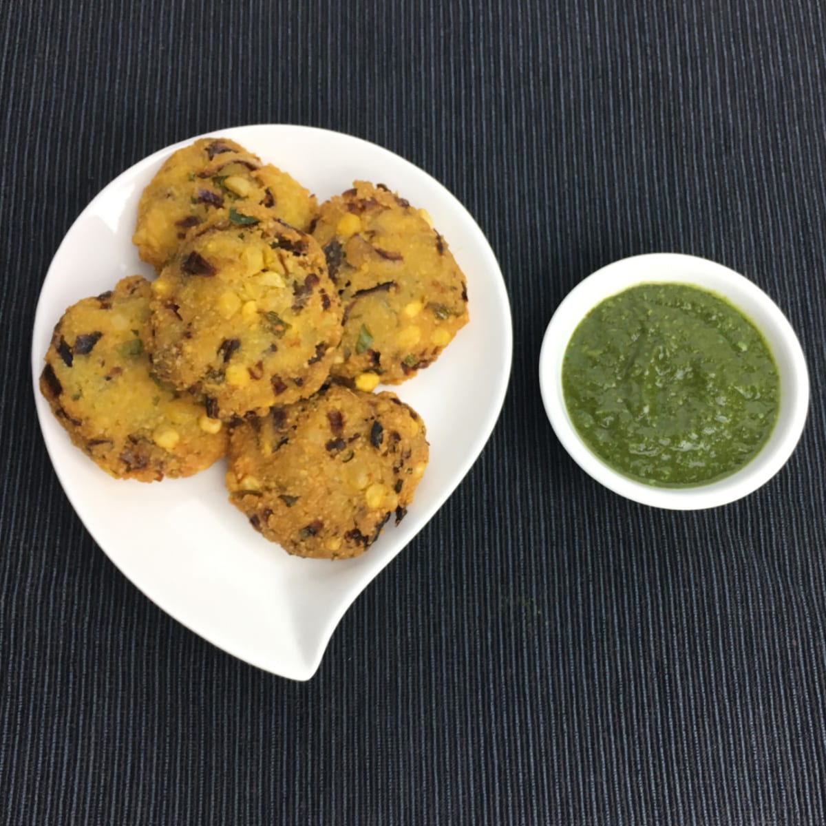 Ambode (Dill and Bengal gram fritters)