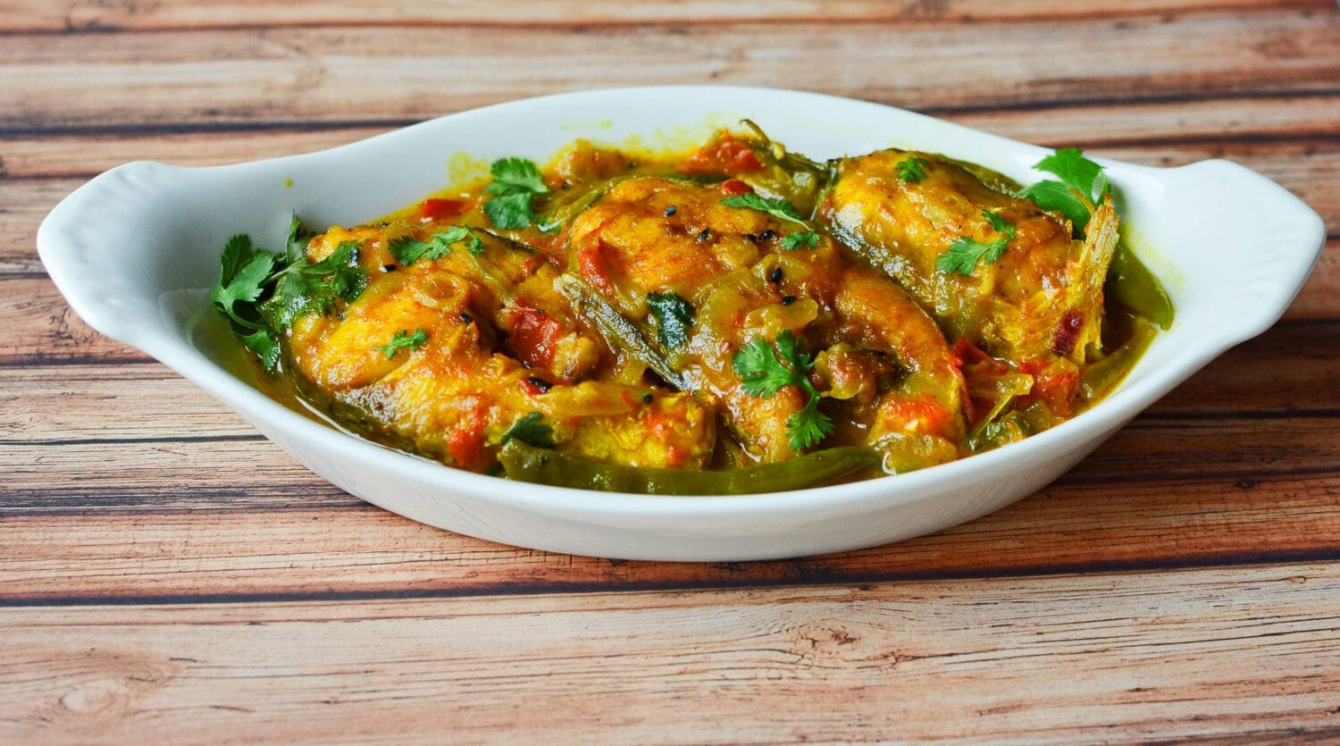 Bengali Style Dry Fish Curry (Machher Jhal)