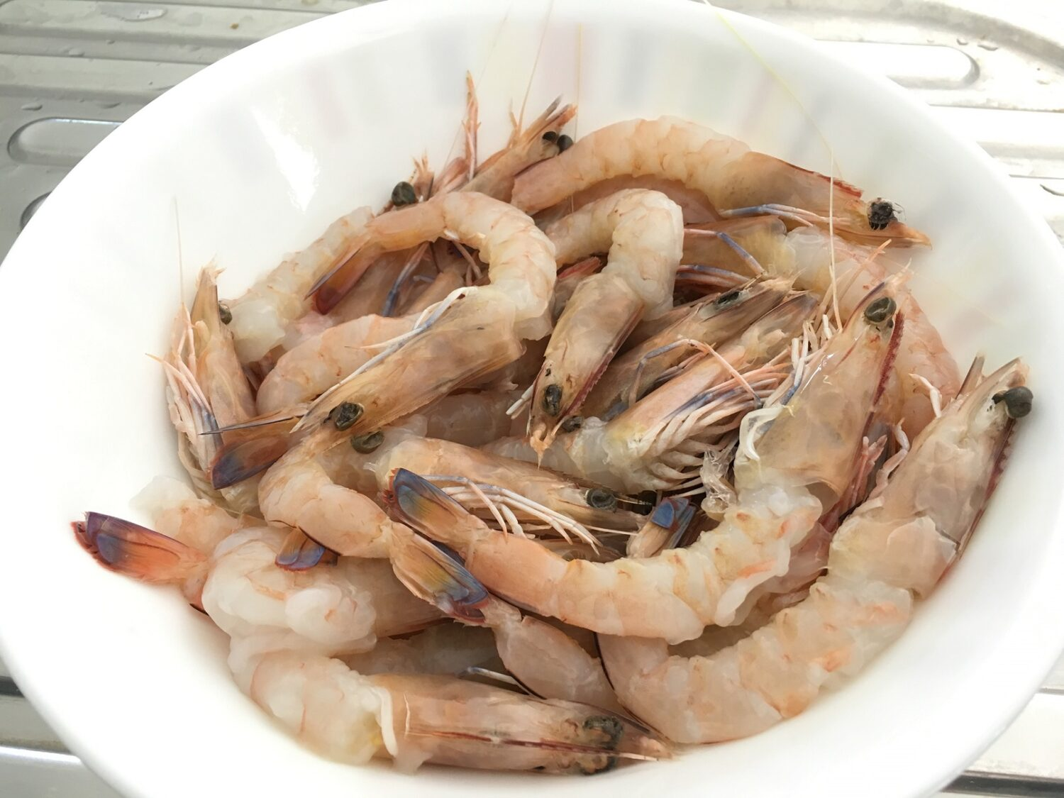 How to clean prawns