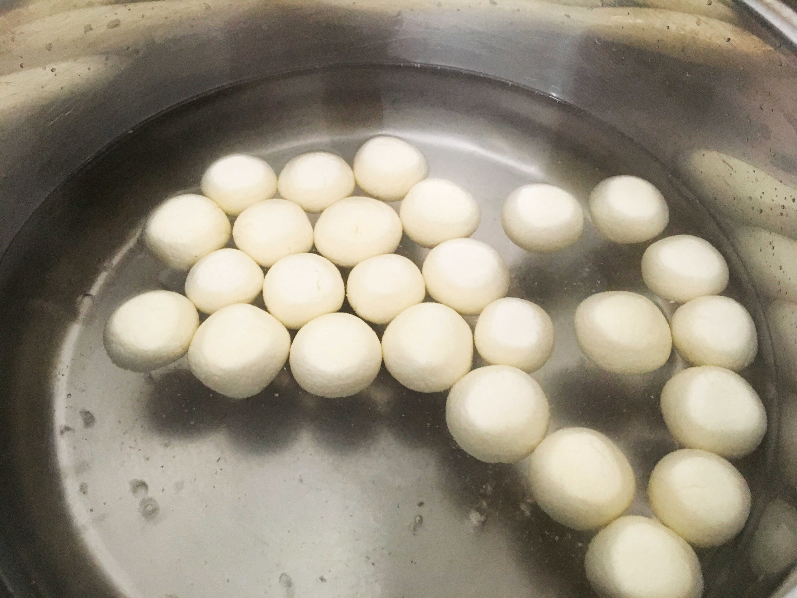 Rasgulla (with tips, tricks, and troubleshooting)